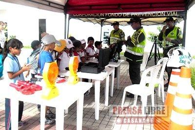 LOS NIÑOS APRENDEN Y CONOCEN LAS DEPENDENCIAS DE LA POLICÍA NACIONAL