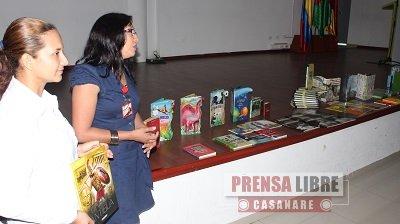 """EQUIÓN DONÓ 1190 LIBROS A BIBLIOTECA PÚBLICA """"LA TRIADA"""" DE YOPAL"""