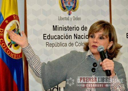 MINEDUCACIÓN Y FECODE ACORDARON MESA DE TRABAJO PARA RESPONDER A PETICIONES DE LOS MAESTROS