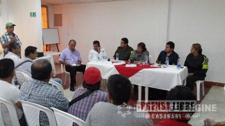 DIRECTORA DE TRÁNSITO NACIONAL ANALIZÓ RESTRICCIONES PARA VEHÍCULOS DE CARGA PESADA EN CASANARE