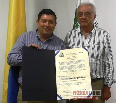 COMITÉ DE ARROCEROS DE AGUAZUL CONDECORÓ A SECRETARIO DE AGRICULTURA