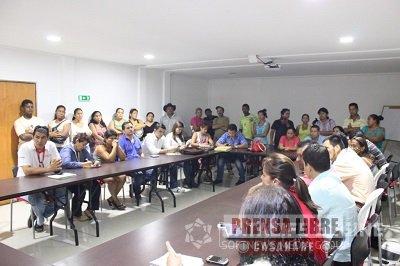 """Minvivienda asistió a Mesa de Concertación con familias de invasión """"15 de Octubre"""""""