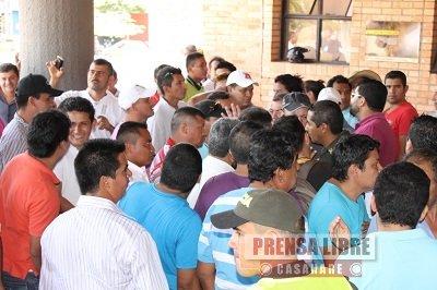 Taxistas protestaron frente a la Alcaldía de Yopal por asignación de 77 nuevos cupos. Anuncian nuevos bloqueos