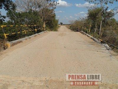 """Prohibido el paso de vehículos pesados de la industria petrolera en 2 puentes en  la vereda """"Mundo Nuevo"""" de Maní"""
