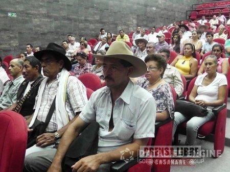Ganaderos aguazuleños se capacitan en mejoramiento de praderas