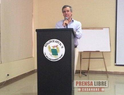 Viceministro de Minas vino a defender a la Industria Petrolera. Diáfano vocero del Gobierno Santos
