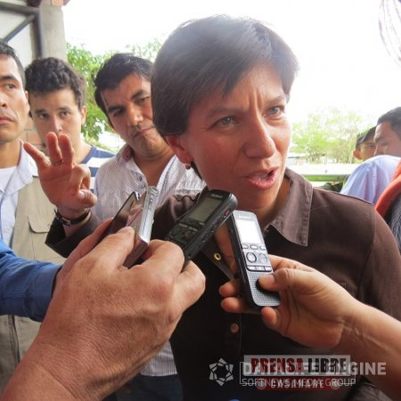 """""""Yopal no tiene agua porque Nación, departamento y municipio no se han puesto de acuerdo para repartirse el contrato"""", Senadora Claudia López"""