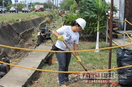 Jornada de limpieza a canal de aguas lluvias realizaron Ejército y Enerca