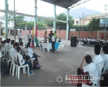 Estudiantes del colegio Jorge Eliecer Gaitán de Yopal se capacitaron contra el consumo de sustancias psicoactivas
